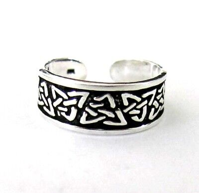 Sterling Silver Celtic antiqued tri knot size small adjustable toe ring