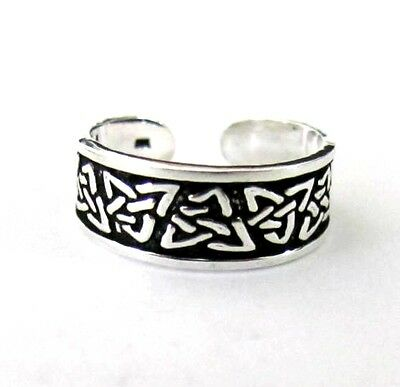 Sterling Silver Celtic antiqued Trinity size small adjustable toe ring
