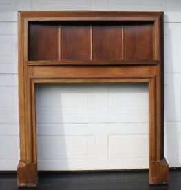 Fireplace Fire Surround Mantelpiece. Grand 1910s - 1920s Mahogany
