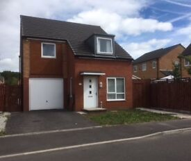 4 Bedroom Detached House to rent in Beswick , about 5 mins drive to Picadilly Station