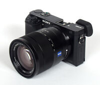 Sony a6000 + objectif Carl Zeiss 16-70mm + 3 batteries/chargeur