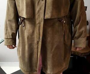 Beautiful Ladies Suede Coat / Jacket (2X / 3X) Stratford Kitchener Area image 3