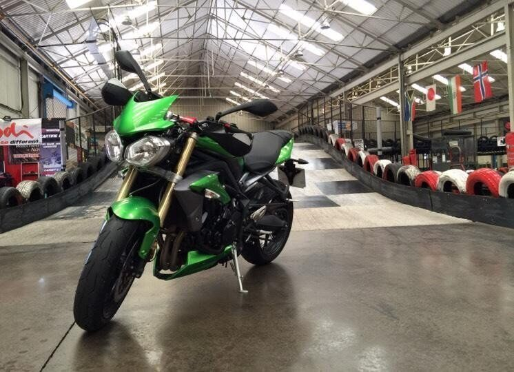 Triumph Street Triple 2015 Cosmic Green ( PRICE REDUCED)
