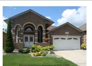 HOUSE FOR SALE: 777 Newport, South Windsor!