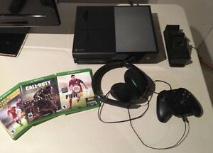 *Steal* Xbox One 500gb 10/10 Condition