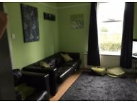 2 bedroom house part furnished centre of Preston available move in now!!
