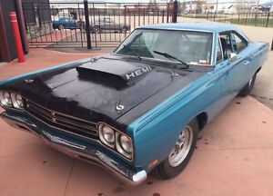 Looking for classic  Plymouth ROADRUNNERS/GTX