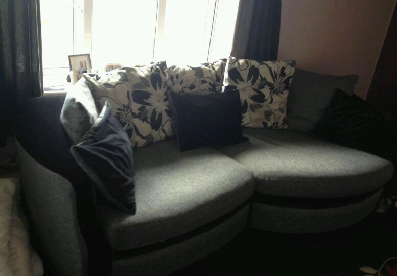 Delicieux Vanessa Snuggle Sofa £150