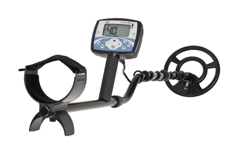 """Minelab X-TERRA 705 Metal Detector with 9"""" round concentric search coil xterra"""