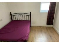 One Bed Flat with Loft Room to Rent in Kingsley Road, Hounslow TW3
