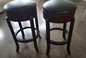Bar Stools - Tabourets de bar.