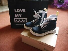 Dr Martens Boots Size 12 (Childrens)