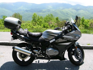 Suzuki GS 500 F with lots of extras