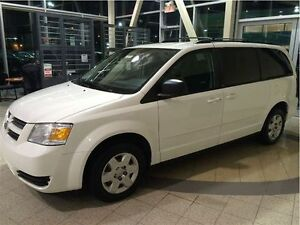 ***DODGE GRAND CARAVAN 2010 STOW AND GO**