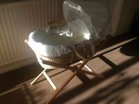 For Sale Used Mamas & Papas Night Time Hugs - Moses Basket inc. stand and Bedding