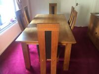 Solid Oak Dining Table & Chairs *Excellent Condition*