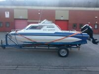 18ft river sea fishing cruiser boat with braked trailer & Mercury EFI 25p power trim outboard