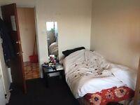 Short term- Single Room in Bristol