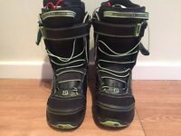 Snowboard boots - size UK 5,5 - hardly worn