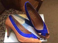 Office Tan / Blue Shoes - Size 6