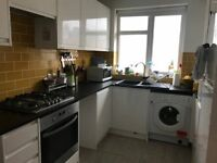 Bright 2 bedroom flat with private garden for rent Stoke Newington N167PT