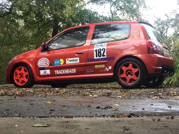 Renault clio 182 Inferno Orange Track car
