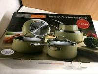 Scotts and Stow 5 Piece Buttermilk Set