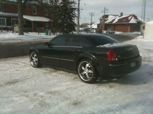 "2005 chrysler 300 22"" mags trades welcome obo $2000"