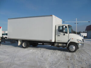 HINO 185 2008 4CYL BOITE 20 PIEDS ÉDITION LIMITED