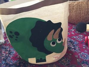 3 Sprouts Storage container, toys or laundry