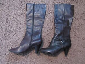 Naturalizer brown dressy boots. Size 9. Never worn!