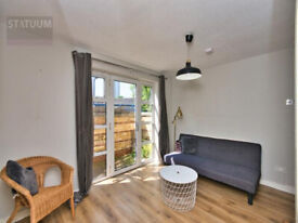 Stunning 3 bed Gated Mid-Terraced House - Bow, E3