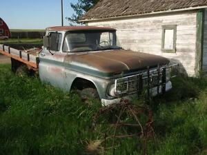 WANTED: Old Truck Hauled from Swan River to Winnipeg or Close