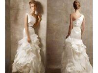 Stunning Vera Wang Wedding Dress, Shoes And Veil, US Size 10