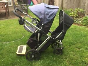 UppaBaby Vista with tons of accessories