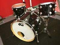DW Collector series kit (black velvet finish) with protection racket cases