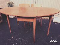 Beautiful mid century Dining Table and chairs
