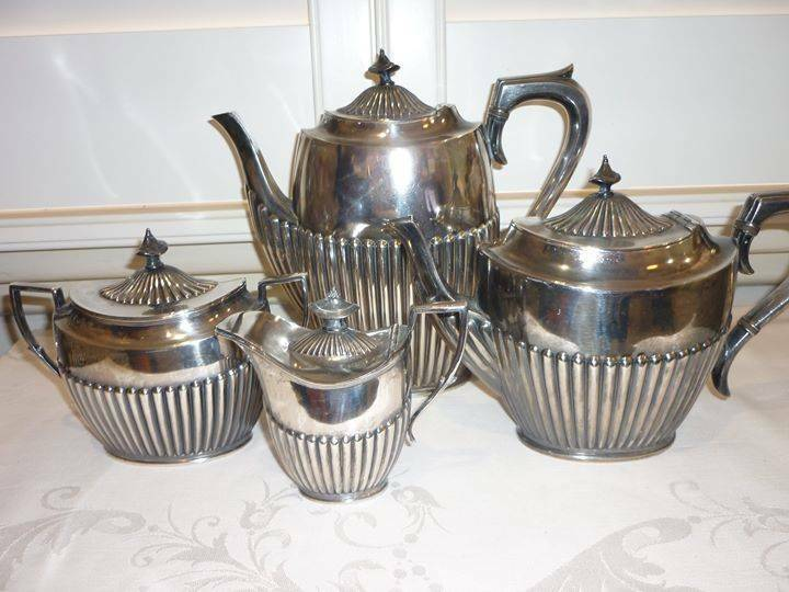 a3a311f685f64 ANTIQUE SILVER PLATE TEAPOT   COFFEE TEA SERVICE -  100 FOR ALL