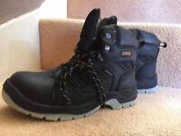 DeWalt work safety boots - size 9
