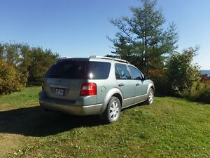 Ford FREESTYLE SE 2006
