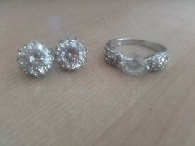 Dhalia Ring set Ring is size P