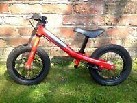 5* Isla Rothan lightweight balance bike in great condition