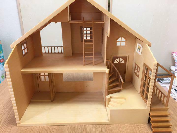 Sylvanian Families Large House With Red Roof