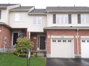 AMAZING 3-BEDROOM TOWNHOUSE IN CHICOPEE BACKING ONTO GREENBELT