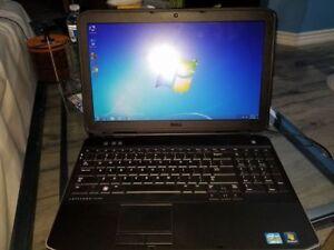 """Dell Latitude E5530 15.6"""" Core i5 2.5GHZ/4GB/500GB HDD/Windows 7"""