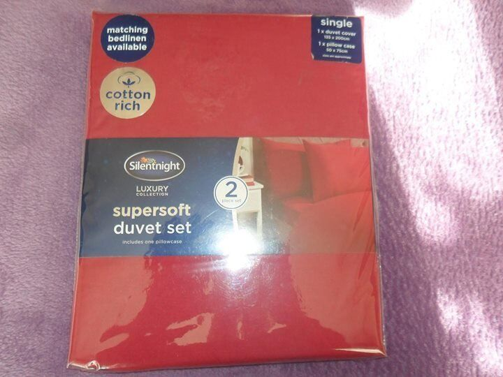 Red single duvets