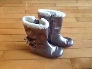 Babygap size 9 fall boots