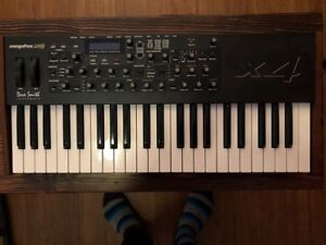 Dave Smith Mopho X4 Synthesizer