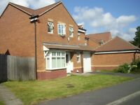 Available Now: Modern 5 Bedroom Detached House To LET