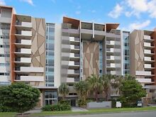 Female Flatmate for a beautiful apartment on Chevron Surfers Paradise Gold Coast City Preview